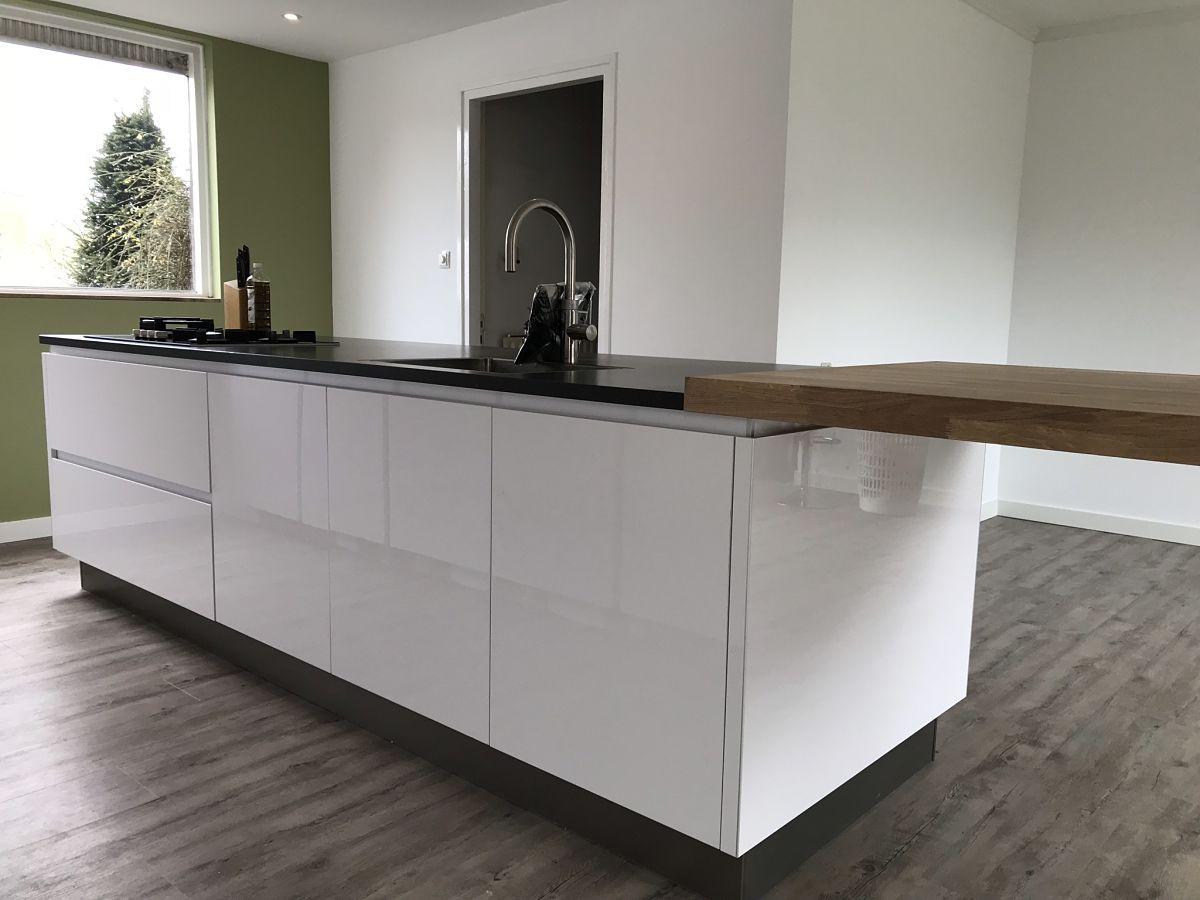 Verwonderlijk Greeploze keuken in hoogglans wit - Your New Kitchen MM-77