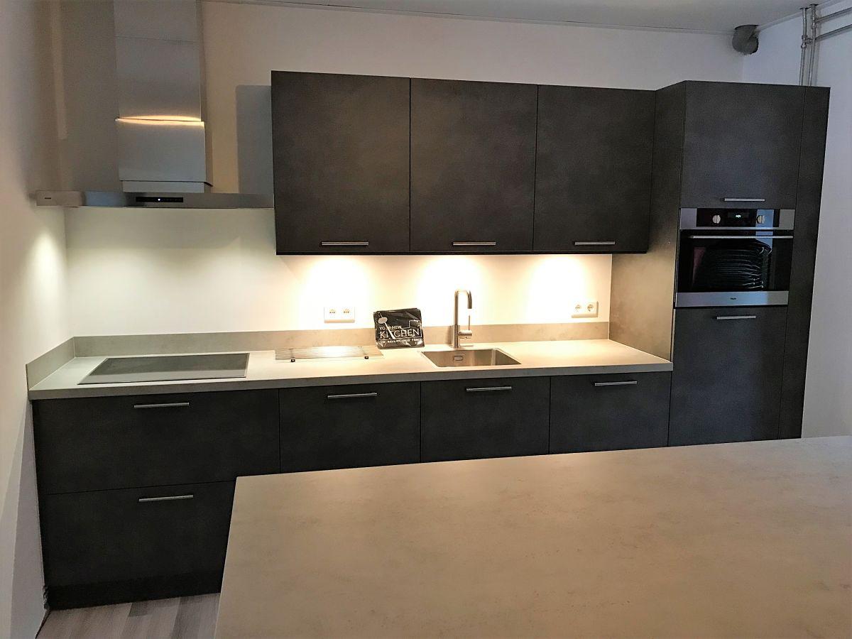 Keuken Beton Moderne : Moderne keuken donker beton your new kitchen